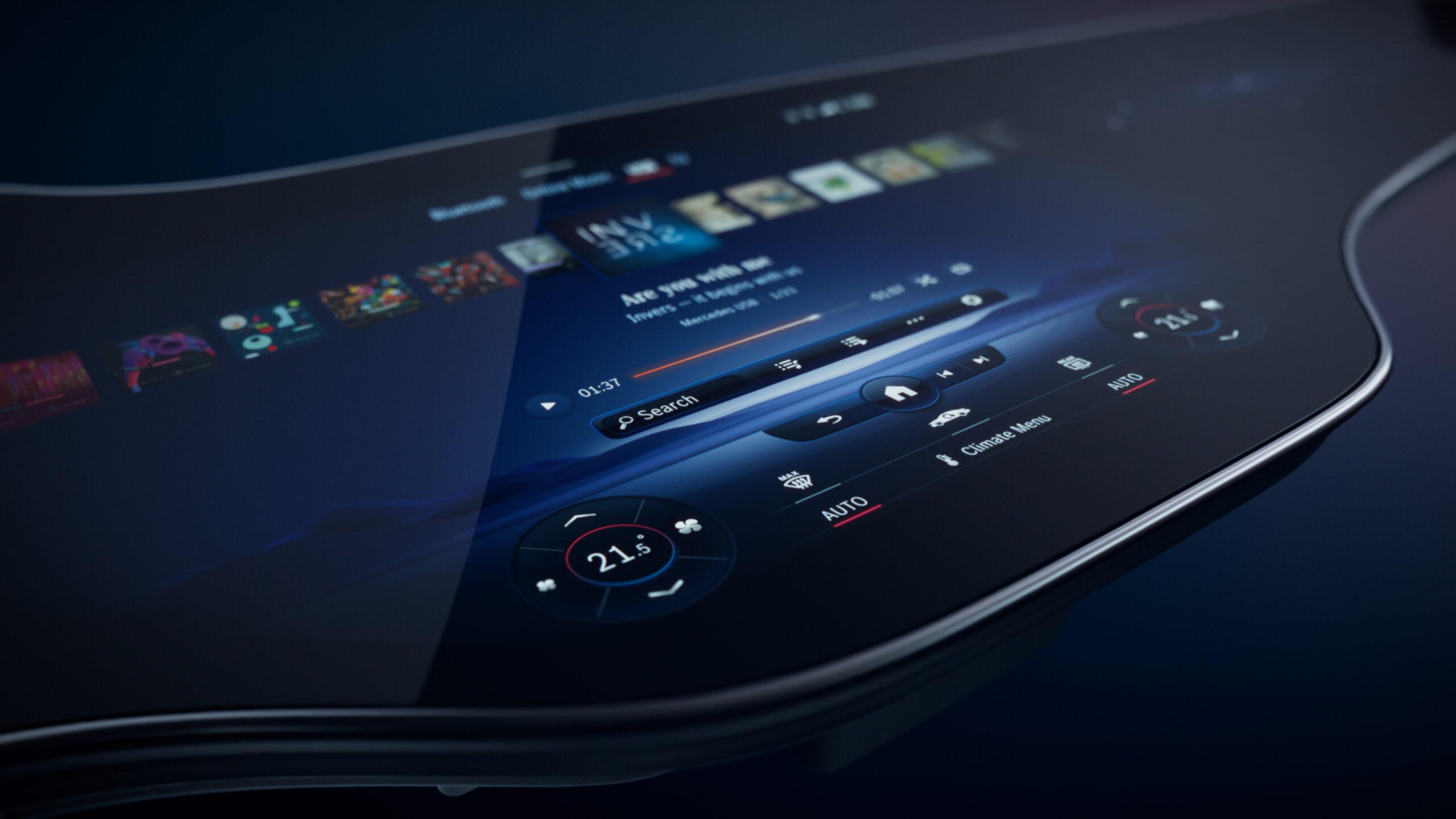 Mercedes-Benz EQS 2022, la prima con l'Hyperscreen MBUX